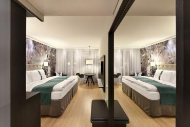 3d-duvar-kagitli-modern-otel-odasi
