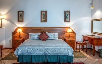 klasik-ahsap-yatak-odasi-mobilyalari-ve-otantik-dekorlar