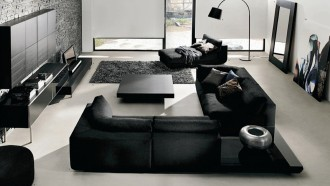 siyahin-hakim-oldugu-modern-ve-genis-bir-salon-dekorasyonu