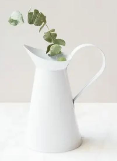 beyaz metal sürahi vazo