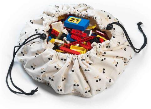 kiraz desenli oyun matı çantası