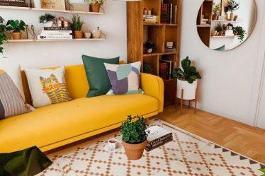 sarı koltuk ile salon kombini